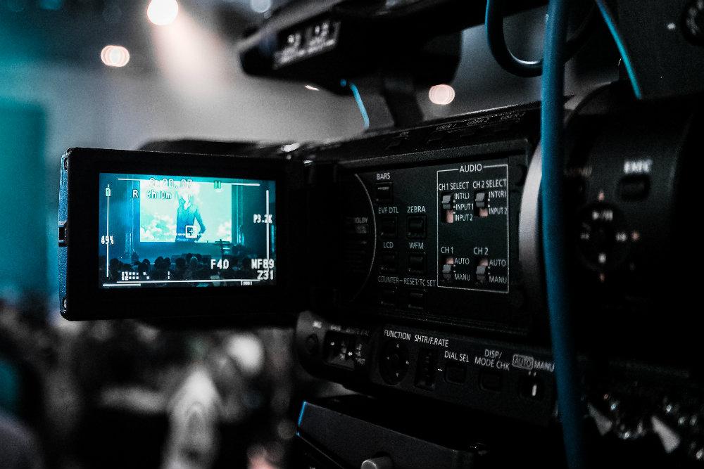 Kino vs. TV: czyserial może być lepszy niż film idlaczego nie- tattwa